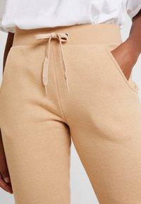New Look - BASIC BASIC  - Tracksuit bottoms - camel - 5
