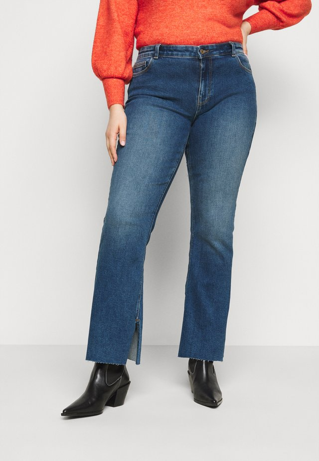 PCKAMELIA  - Flared Jeans - medium blue denim