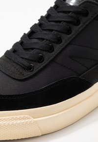 Goliath - NUMBER THREE - Trainers - black - 5