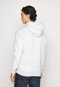 Jack & Jones - JORMARIUSS HOOD/SWEAT  - Sweatshirt - white melange - 2