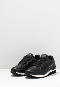 Guess - GENOVA - Trainers - black - 2