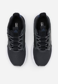 adidas Performance - ENERGYFALCON CLOUDFOAM RUNNING SHOES - Zapatillas de running neutras - grey six/grey two/core black - 3