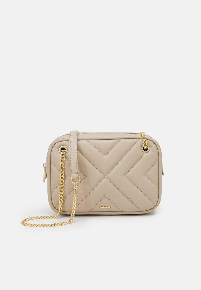 CROSSBODY BAG LANNISTER - Across body bag - beige