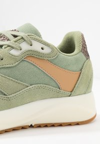 Woden - SOPHIE - Trainers - dusty olive - 2