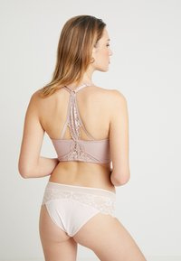 Pour Moi - OPULENCE FRONT FASTENING UNDERWIRED - Sujetador con aros - mink/oyster - 2