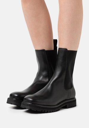 BOLINIARI - Vysoká obuv - black