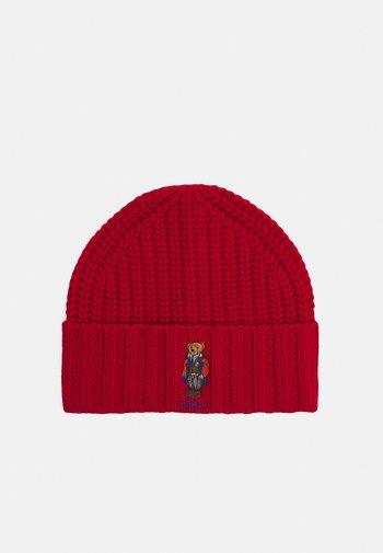 OUTDOOR BEAR HAT