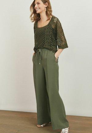 Pantalones - khaki