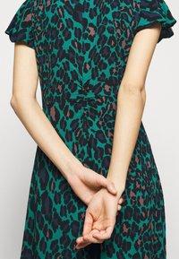 Diane von Furstenberg - CECILIA MIDI - Vapaa-ajan mekko - emerald - 7