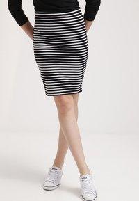 Zalando Essentials - Falda de tubo - black/white - 0