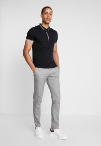 Armani Exchange - Polo - black - 1