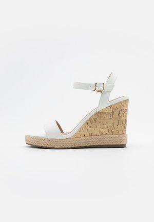 PERTH - Sandalen met hoge hak - white