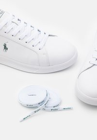 Polo Ralph Lauren - UNISEX - Matalavartiset tennarit - white/college green - 5