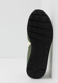 Diadora - ICONA UNISEX - Sneakers laag - olivine/whisper white - 4