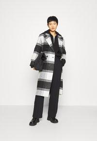 AllSaints - LOTTIE CHECK COAT - Classic coat - black/white - 1