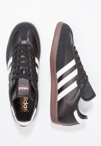adidas Performance - SAMBA LEATHER FOOTBALL SHOES INDOOR - Trainers - black/run white - 1