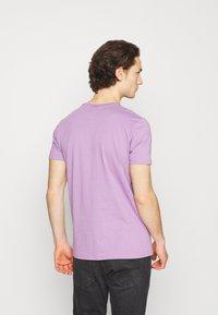 Ellesse - LANBRONE - T-shirt z nadrukiem - lilac - 2