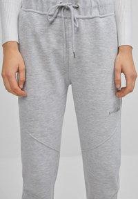 Bershka - Teplákové kalhoty - light grey - 3