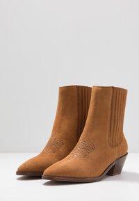 Zadig & Voltaire - TYLER  - Cowboy/biker ankle boot - tan - 4