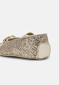 MICHAEL Michael Kors - BABY GIBI - First shoes - gold - 6