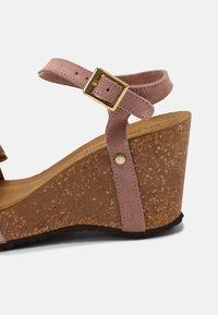 Copenhagen Shoes - SUNDAY MORNING - Platform sandals - rose - 7