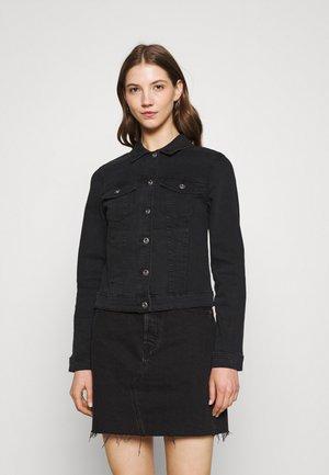 PCAIA FITTED JACKET - Veste en jean - black