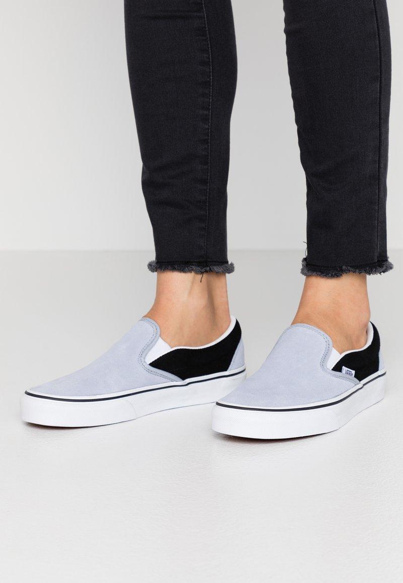 Vans - CLASSIC UNISEX - Slip-ons - zen blue/black