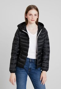 Tommy Jeans - QUILTED ZIP THRU - Light jacket - black - 0