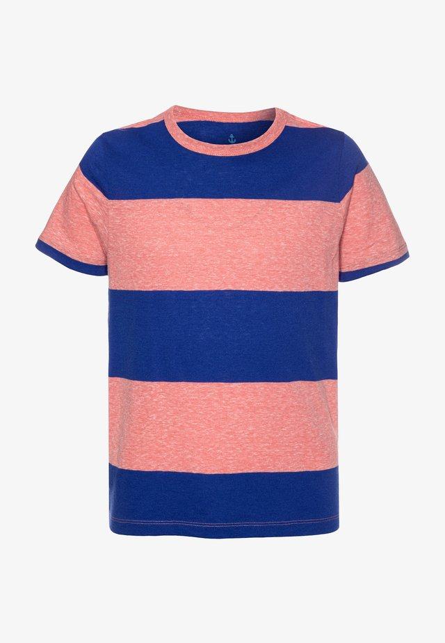 THICK STRIPE ABBOTT TEE - T-shirt imprimé - red/blue