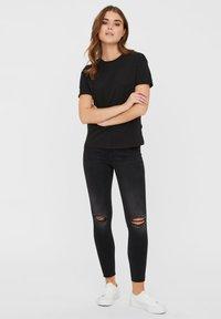 Noisy May - T-shirts - black - 1