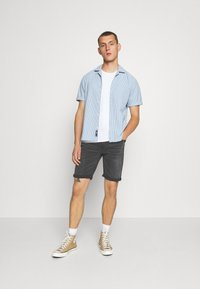 Only & Sons - ONSPLY - Jeans Shorts - black - 1