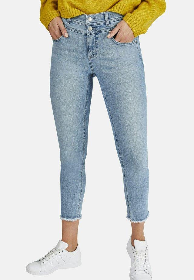 MIT DOPPELKNOPFVERSCHLUSS - Jeans Skinny Fit - hellblau