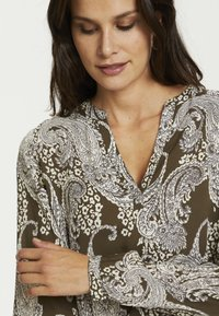 Kaffe - PAISLEY BLOUSE - Blouse - grape leaf paisley print - 3