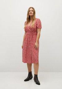 Violeta by Mango - CROSS - Day dress - geranienrosa - 1