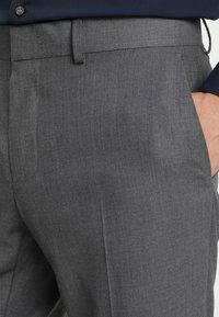 Isaac Dewhirst - FASHION SUIT - Completo - mid grey - 8
