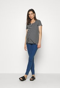 MAMALICIOUS - MLZIBO SLIM - Jeggings - medium blue denim - 1