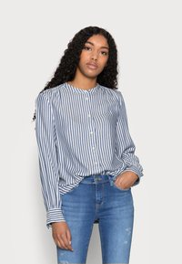 GAP Petite - SHIRRED - Button-down blouse - blue - 0