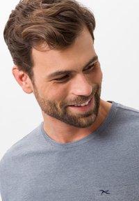 BRAX - STYLE TODD - T-shirt basique - ocean - 4