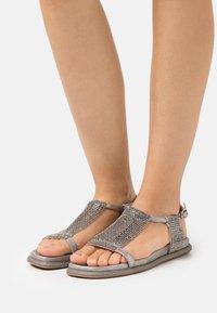 Alma en Pena - Sandals - lisboa pewter - 0