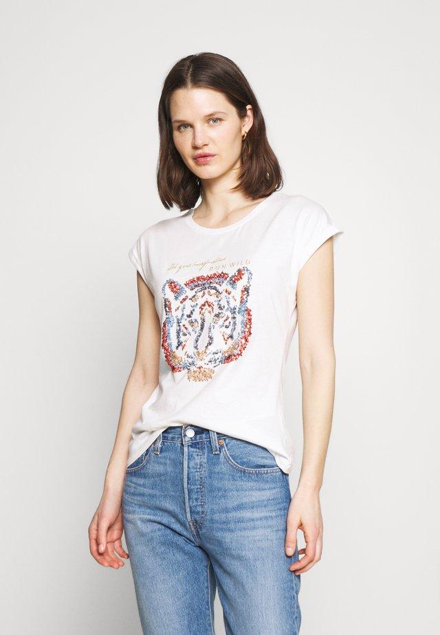 KACRISTY - Print T-shirt - chalk