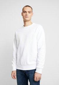 GAP - CREW - Sweatshirt - white global - 0