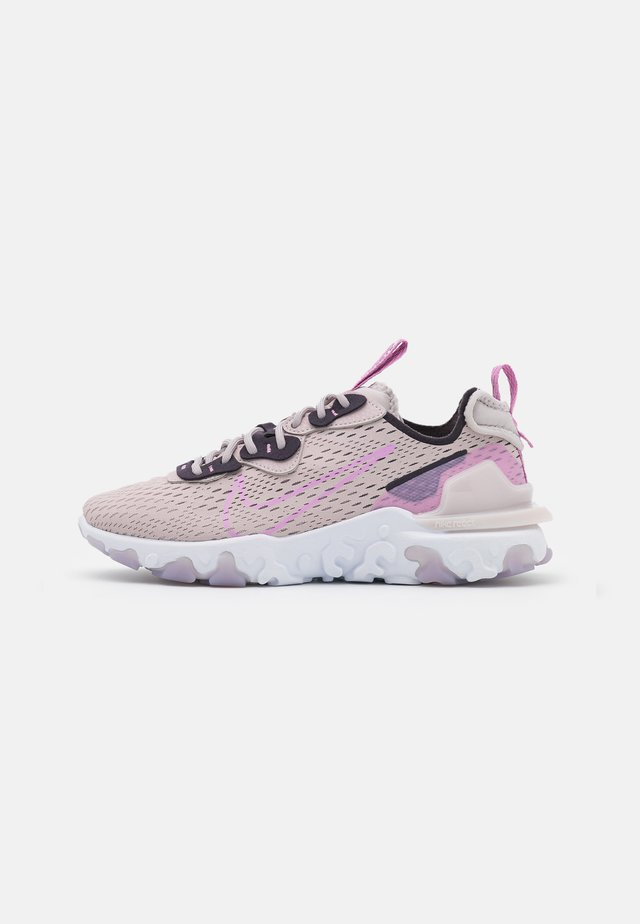 REACT VISION - Trainers - platinum violet/beyond pink/cave purple/summit white
