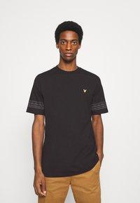 Lyle & Scott - FAIRISLE - Print T-shirt - jet black - 0