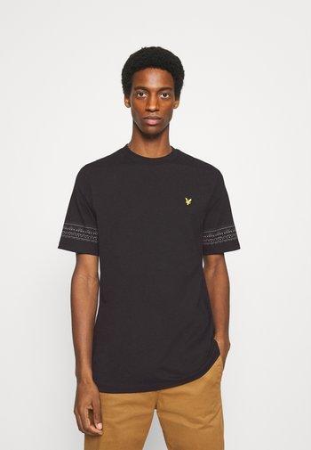 FAIRISLE - T-shirt med print - jet black