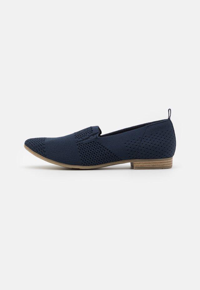 WOMS  - Nazouvací boty - navy