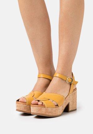 Platform sandals - alfa/safron