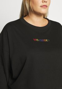 Missguided Plus - PLUS PRIDE SLOGAN  - Sweatshirt - black - 5