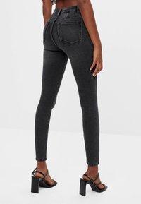 Bershka - Jeans Skinny - black denim - 2