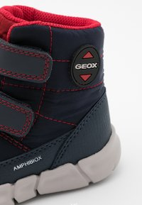 Geox - FLEXYPER BOY ABX - Snowboot/Winterstiefel - navy/red - 5
