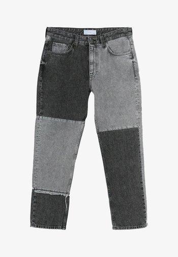 Straight leg -farkut